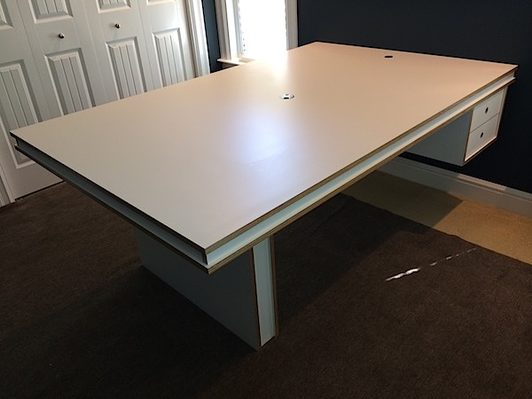 Laminate Multiply Desk 1